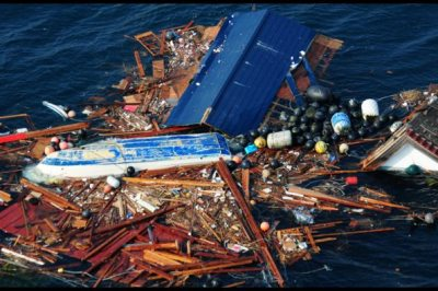 Tsunami debris in the open ocean/Courtesy of US Navy