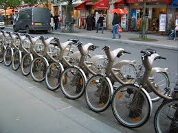 Velib in Paris is the largest bikeshare program in Europe. Photo courtesy of wiki commons.
