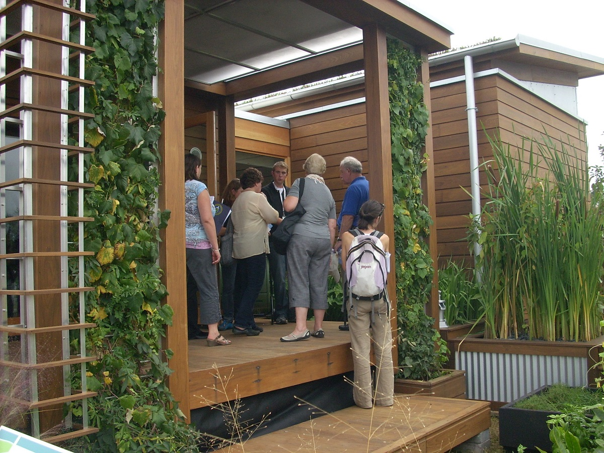 WaterShed -- the Universit of Maryland entry -- captured the top prize in the 2011 US Solar Decathlon.