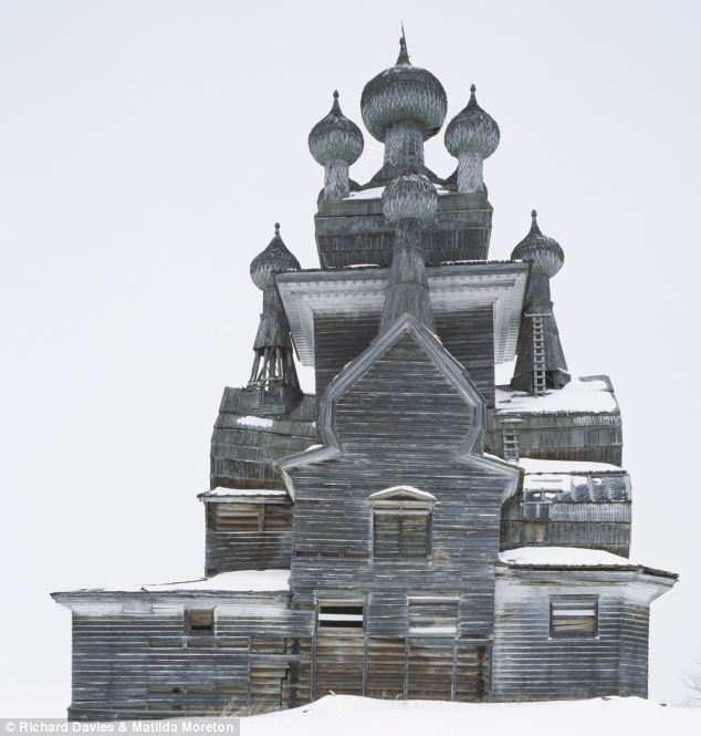 Church at Podporozhye copyright Richard Davies and Matilda Moreton
