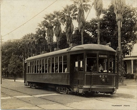 Vintage shot of the Saint Charles streetcar, New Orleans. By Teunisson. Photo courtesy NOPL
