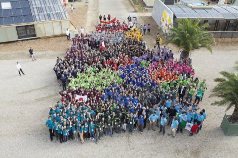 Solar Decathlon Teams Celebrate Courtesy Team RHOME