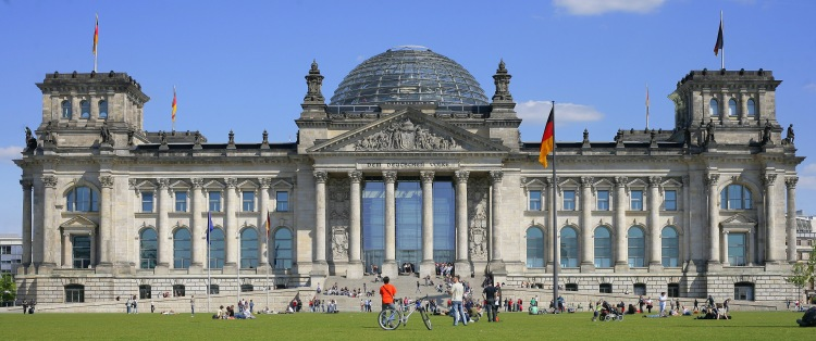 Restored Reichstasg with Norman Foster dome. Courtesy wikipedia.