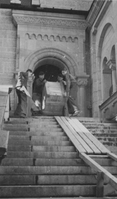 Workers removing art from Schloss Neuschwanstein November 1945 Charles Parkhurst