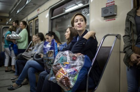 Using the subway to take recyclables to a recycling site. Photo courtesy of Denis Sinyakova Recyclemagazine.ru