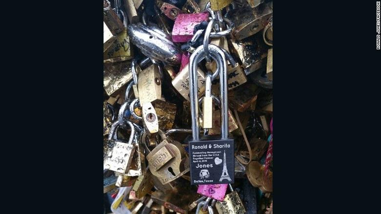Pont des Arts locks Courtesy of Ronald Jones