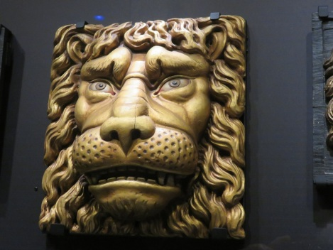 Wood-carved lion's head once adorned Dutch trading ships., at the  Netherlands Maritime Museum, Amsterdam (Bobbie Faul-Zeitler, (CC 3.0)