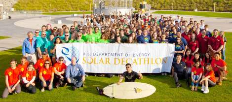 Solar Decathlon teams assemble for group photo (Photo by Thomas Kelsey, US Dept of Energy Solar Decathlon)