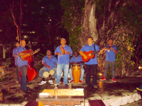 Music performance dining in Cienfuegos