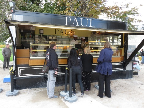 Paul's bakery truck serves up cookies and pain au chocolat in the Tuileries (Oct 2014) Bobbie Faul-Zeitler CC 3-0