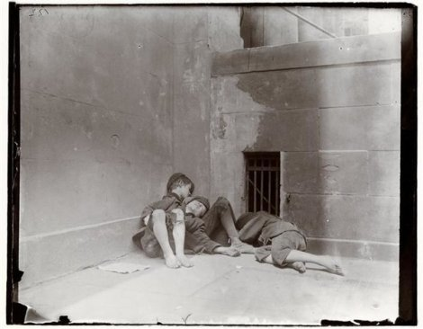 Street arabs in NYC, Jacob Riis. Courtesy Museum of the City of New York.