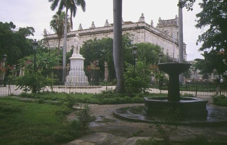 Plaza de Armas (Courtesy of Viajes Hoteles)