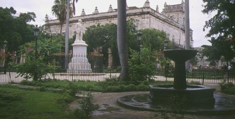 Plaza de Armas (Courtesy of Viajes Hoteles)