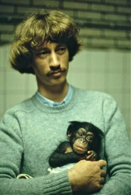 A younger Frans de Waal at the Burger Zoo in Arnem Photo by Chris Ryan