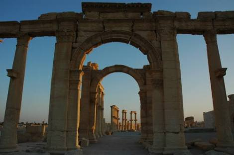 Site of Palmyra pre-destruction of its famed triumphal arches. Courtesy of UNESCO, all rights reserved.
