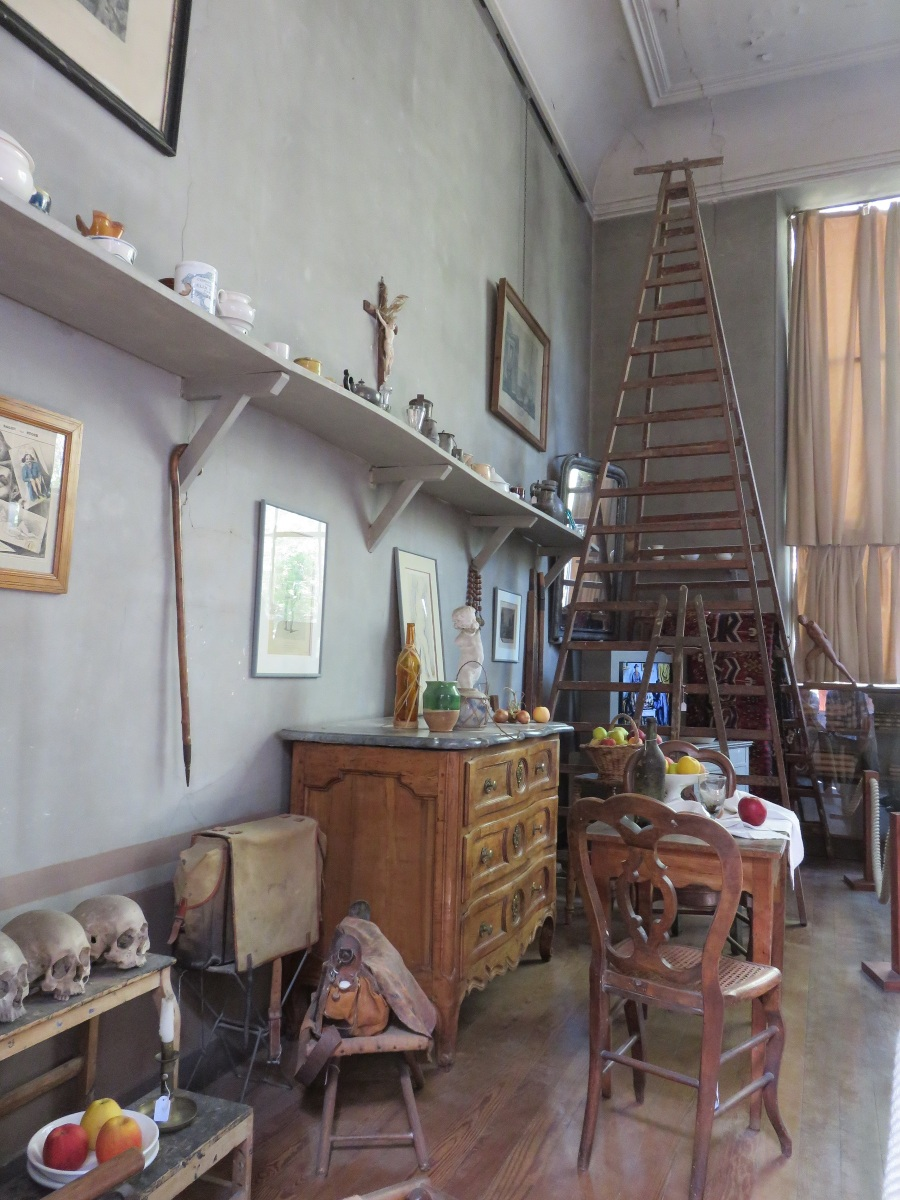 Details from inside Cezanne's atelier just outside Aix-en-Provence, France. It was Cezanne's last studio, and most of the furnishings are intact. (Roberta Faul-Zeitler, CC 3.0)
