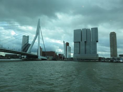 Swan Bridge and waterfront Rotterdam. (Bobbie Faul-Zeitler CC 3.0)