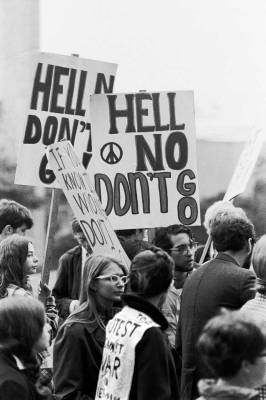 Hell no, anti-Vietnam protest. Courtesy University of Washington
