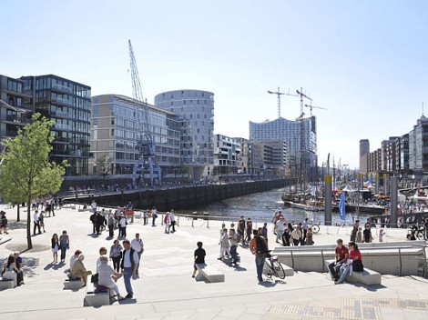 The Magellan Terrace, one of the walk-friendly areas in HafenCity. Photo courtesy of HafenCity.