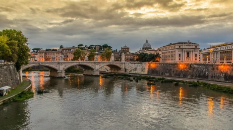 Rome's Tiber River by manoeu