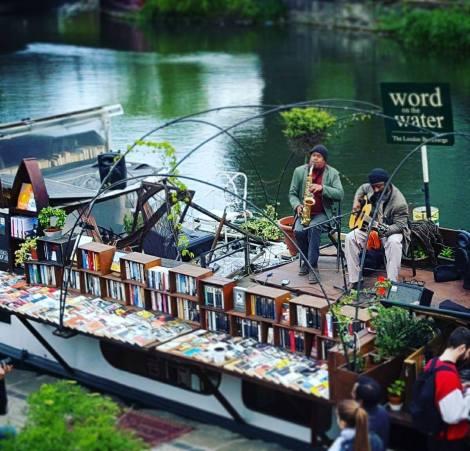 London Bookbarge