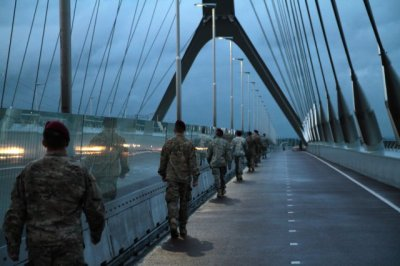 Nijmegen Bridge memorial Photo Credit 1st Lt Hannah Morgan 2015