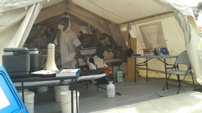 Simulation of an on-the-ground medical tent in the 2016 exhibition, Forced from Home, on the National Mall, Washington DC. (Photo by Roberta Faul-Zeitler, CC 3.0)