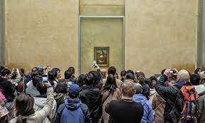 Mona Lisa selfies. Courtesy Washington Examiner.