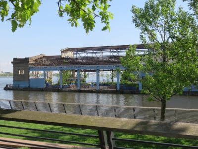 Totally renovated Cherry Street Pier, viewed from Race Street Park (Roberta Faul-Zeitler CC:3.0)